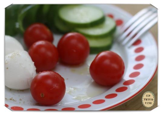 129twigandvine, cherry tomatoes, photo © Sue Schlabach