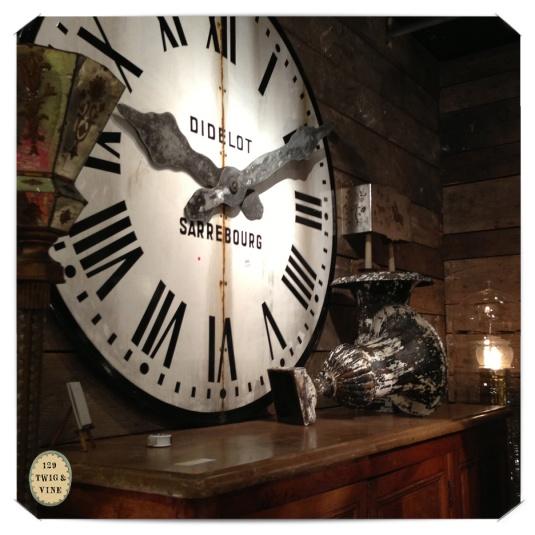 129twigandvine_flea_market_clock ©Sue Schlabach
